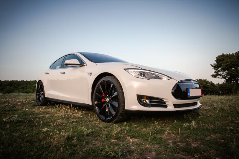 Tesla Model S P85D 772 к.с. Ludicrous