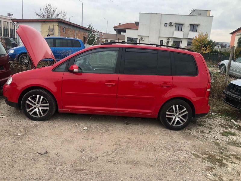 VW Touran 2,0 170коня Авто На части, снимка 10