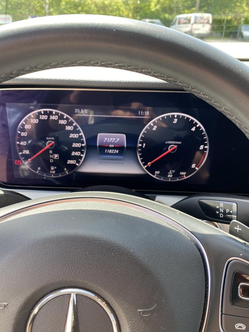 Mercedes-Benz E 220 4 MATIC, снимка 8