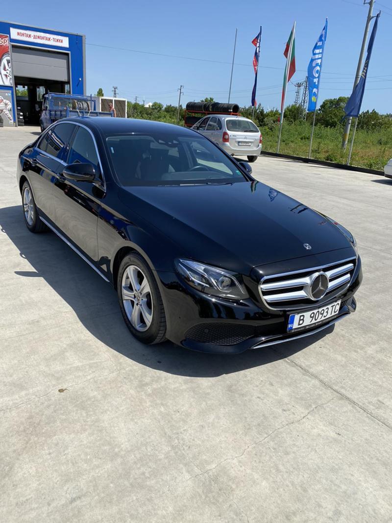Mercedes-Benz E 220 4 MATIC, снимка 2